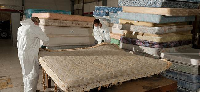 Let Loose Some Space With Mattress Removal Service